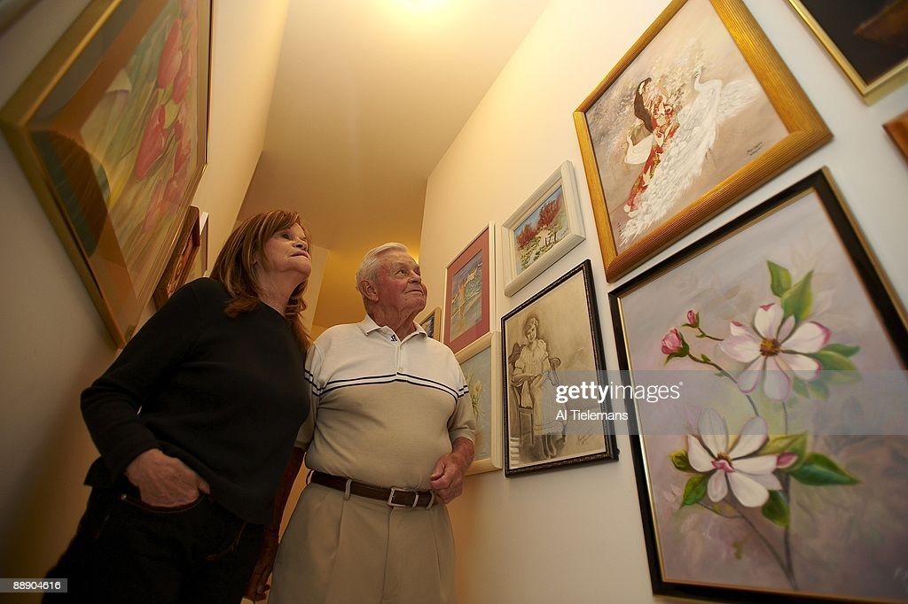 Portrait of Hall of Famer and former Baltimore Orioles manager Earl Weaver and wife Jane at home. Fort Lauderdale, FL 3/14/2009