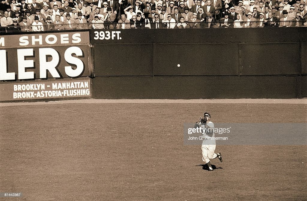 World Series, Brooklyn Dodgers Duke Snider in action, making catch vs New York Yankees, Brooklyn, NY 10/9/1956