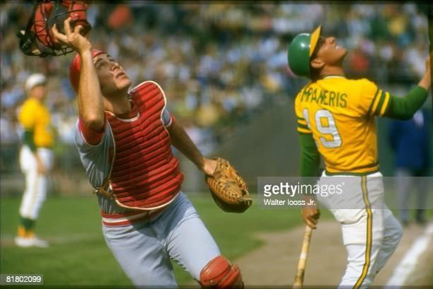 Baseball World Series Cincinnati Reds Johnny Bench in action vs Oakland Athletics Bert Campaneris Cincinnati OH