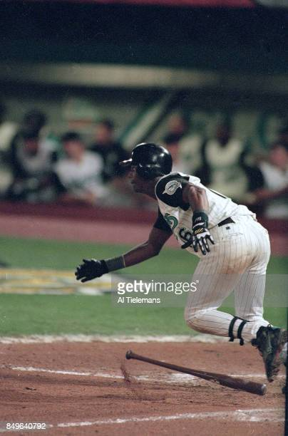 World Series Florida Marlins Edgar Renteria in action at bat with game winning walkoff hit vs Cleveland Indians at Pro Player Stadium Game 7 Miami FL...