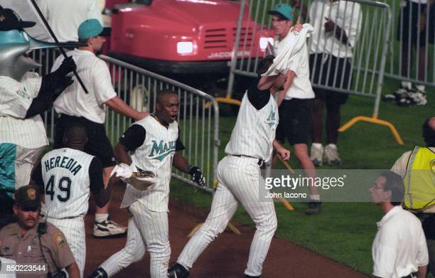 World Series Florida Marlins Edgar Renteria victorious after hitting game winning walkoff hit vs Cleveland Indians at Pro Player Stadium Game 7 Miami...