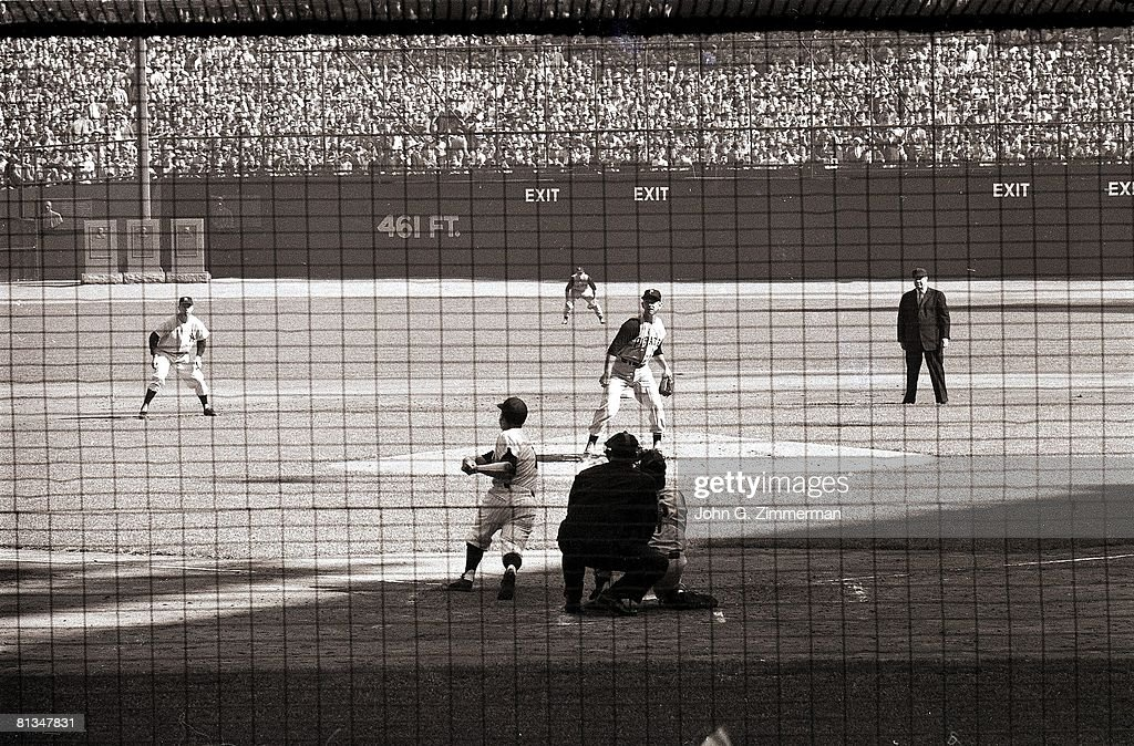 World Series, New York Yankees Bobby Richardson in action, hitting grand slam HR during game vs Pittsburgh Pirates, Bronx, NY 10/8/1960