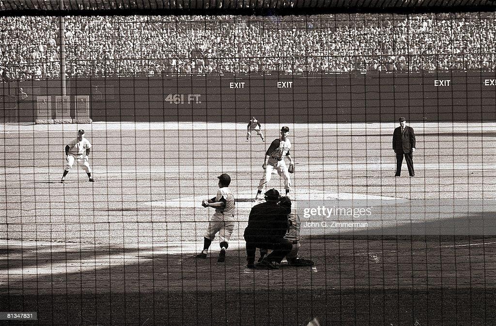 World Series, New York Yankees Bobby Richardson in action, hitting grand slam HR during game vs Pittsburgh Pirates, Bronx, NY 10/8/1960
