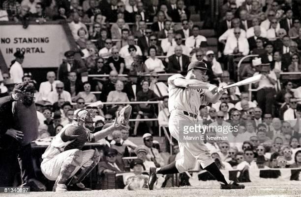 Baseball World Series New York Yankees Roger Maris in action at bat vs Cincinnati Reds Cincinnati OH 10/7/196110/9/1961