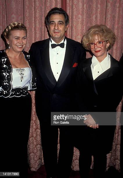 Basha Johnson Placido Domingo and Sally Jesse Raphael at the Por Los Ninos Gala Honoring Placido Domingo Waldorf Astoria Hotel New York City