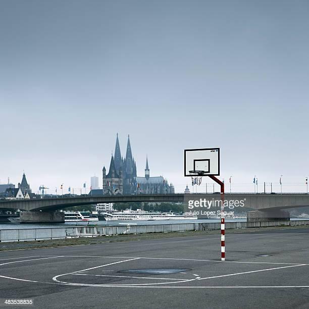 Basket field