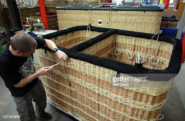 Hot Air Balloon Basket Photos et images de collection ...