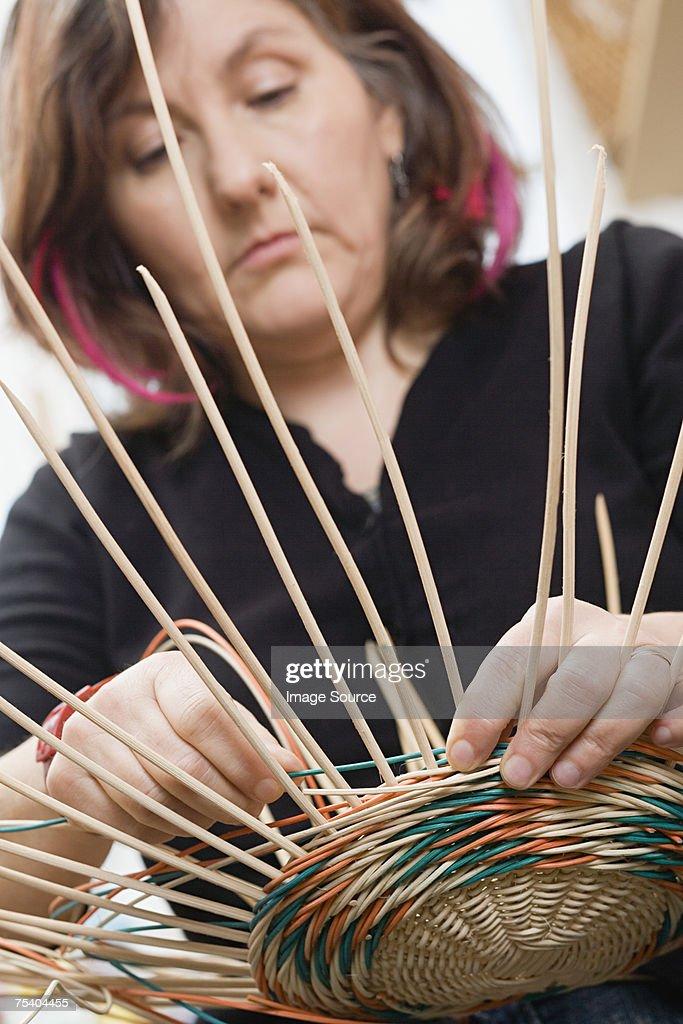 Basket maker