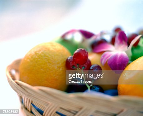 Basket of fruit : Stock-Foto