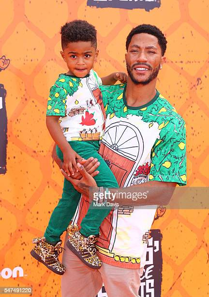 Basketbal player Derrick Rose and son attend the Nickelodeon Kids' Choice Sports Awards at UCLA's Pauley Pavilion on July 14 2016 in Westwood...