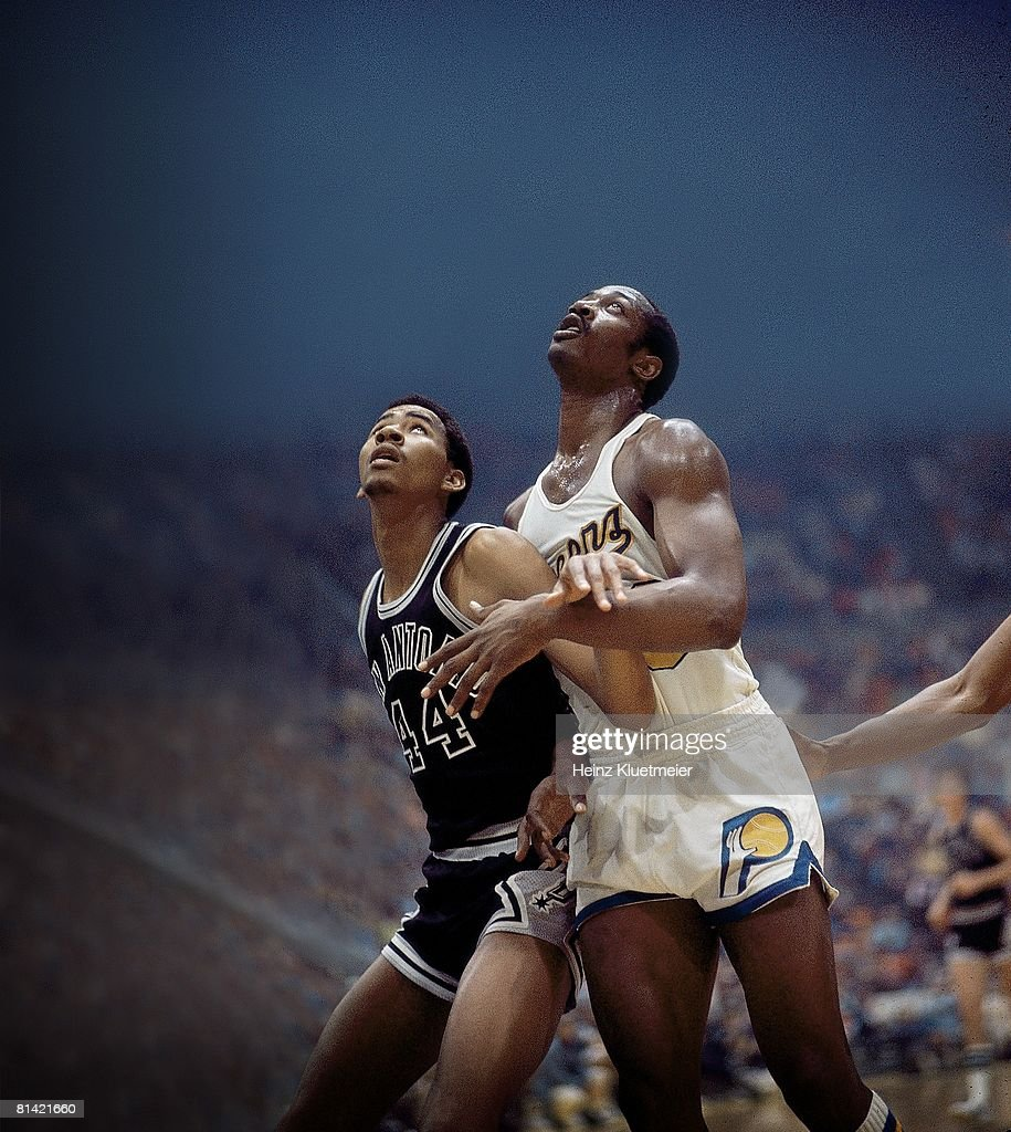 Basketball ABA Playoffs San Antonio Spurs George Gervin in action vs Indiana Pacers George McGinnis Indianapolis IN 4/17/1975
