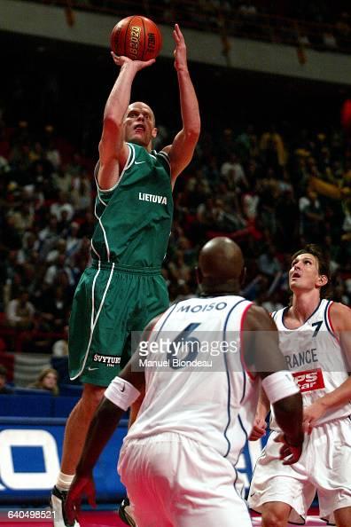 Basketball European Championship 2003 semi final France vs Lithuania Saulius Stombergas Basketball Championnat d Europe 2003 demi finale France...