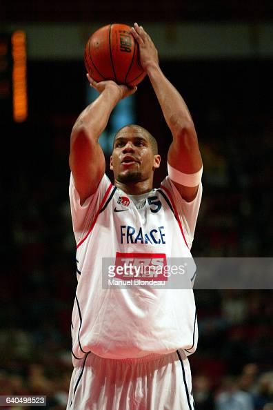 Basketball European Championship 2003 semi final France vs Lithuania Tariq Abdul Wahad Basketball Championnat d Europe 2003 demi finale France contre...