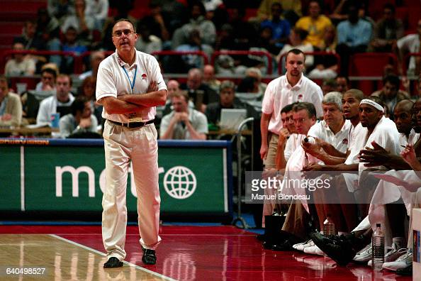 Basketball European Championship 2003 semi final France vs Lithuania Coach Alain Weisz Basketball Championnat d Europe 2003 demi finale France contre...
