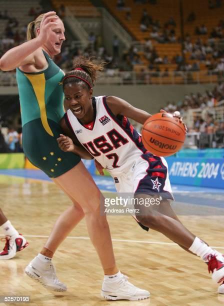 Basketball / Frauen Olympische Spiele Athen 2004 Athen Finale USA / Gold Australien / Silber Suzy BATKOVIC / AUS Sheryl SWOOPES / USA 280804