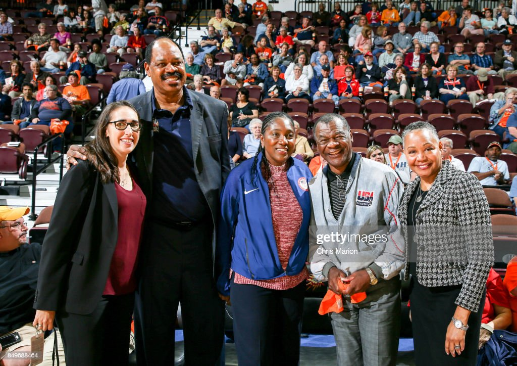 Basketball Hall of Fame members Artis Gilmore, Teresa Edwards and Calvin Murphy pose with WNBA President Lisa Borders during the game between the Phoenix Mercury and Connecticut Sun in Round Two of the 2017 WNBA Playoffs on September 10, 2017 at Mohegan Sun Arena in Uncasville, CT.