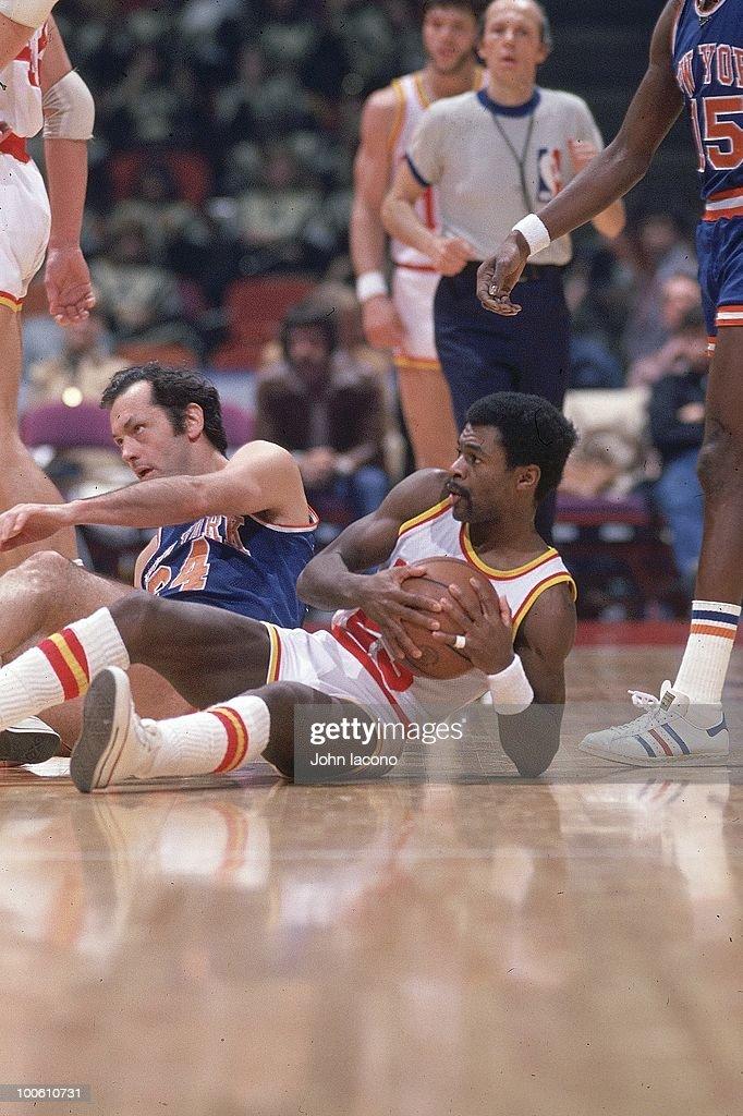 Houston Rockets Calvin Murphy (23) in action vs New York Knicks Bill Bradley (24). Houston, TX 1/5/1977
