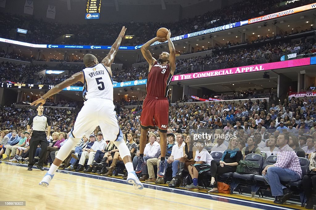 Miami Heat Rashard Lewis (9) in action, shooting vs Memphis Grizzlies Marreese Speights (5) at FedEx Forum. Greg Nelson F20 )