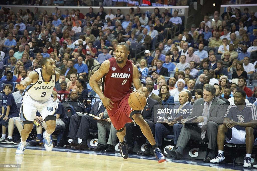 Miami Heat Wayne Ellington (3) in action vs Memphis Grizzlies Rashard Lewis (9) at FedEx Forum. Greg Nelson F248 )