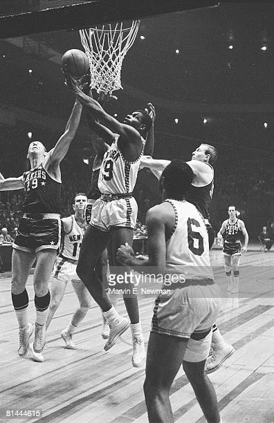 Basketball Minnesota Lakers Elgin Baylor in action vs New York Knicks New York NY 12/9/1958