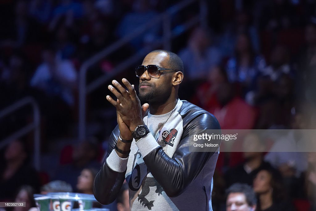Miami Heat LeBron James on sidelines during All-Star Weekend at Toyota Center. Greg Nelson F219 )