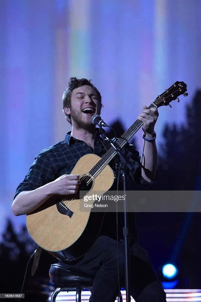View of musician Phillip Phillips performing during All-Star Weekend at Toyota Center. Greg Nelson F192 )
