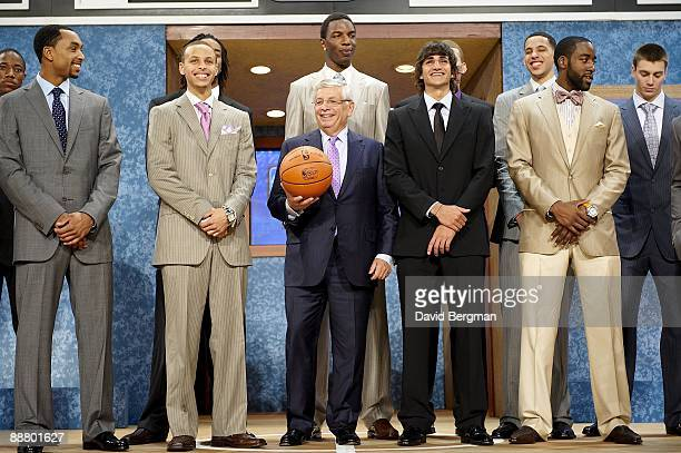 ¿Cuánto mide Stephen Curry? - Altura - Real height Basketball-nba-draft-nba-commissioner-david-stern-with-demar-derozan-picture-id88801627?s=612x612