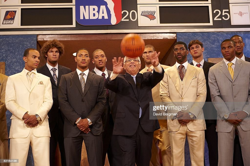 NBA commissioner David Stern (tossing ball) with draftees (L-R) Jerryd Bayless, Robin Lopez, Derrick Rose, Michael Beasley, O.J. Mayo, Brook Lopez, Danilo Galinari, Russell Westbrook, Anthony Randolph, and Kevin Love before draft at Madison Square Garden. New York, NY 6/26/2008