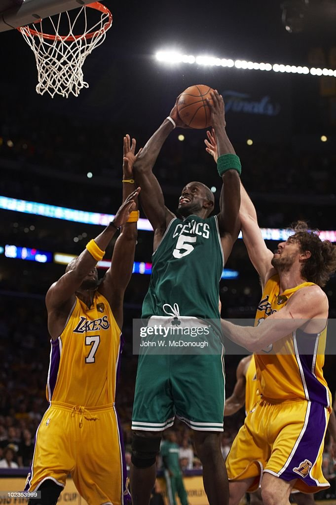 Boston Celtics Kevin Garnett (5) in action, shot vs Los Angeles Lakers. Game 7, Los Angeles, CA 6/17/2010