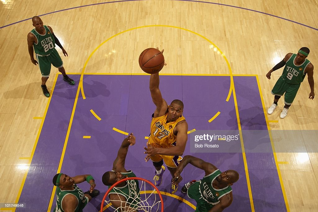 Los Angeles Lakers Andrew Bynum (17) in action vs Boston Celtics. Game 1. Los Angeles, CA 6/3/2010