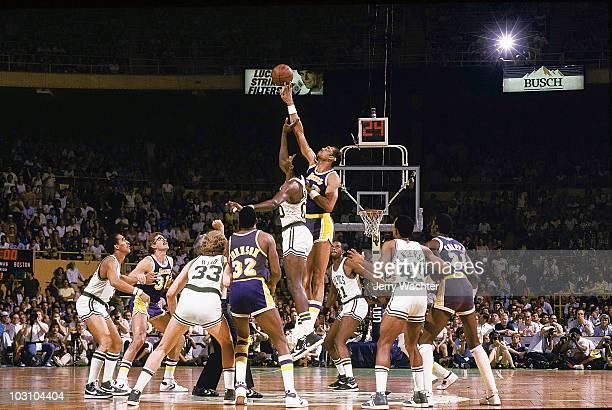 NBA Finals Los Angeles Lakers Kareem AbdulJabbar in action jump ball vs Boston Celtics Robert Parish Game 5 Boston MA 6/8/1984 CREDIT Jerry Wachter