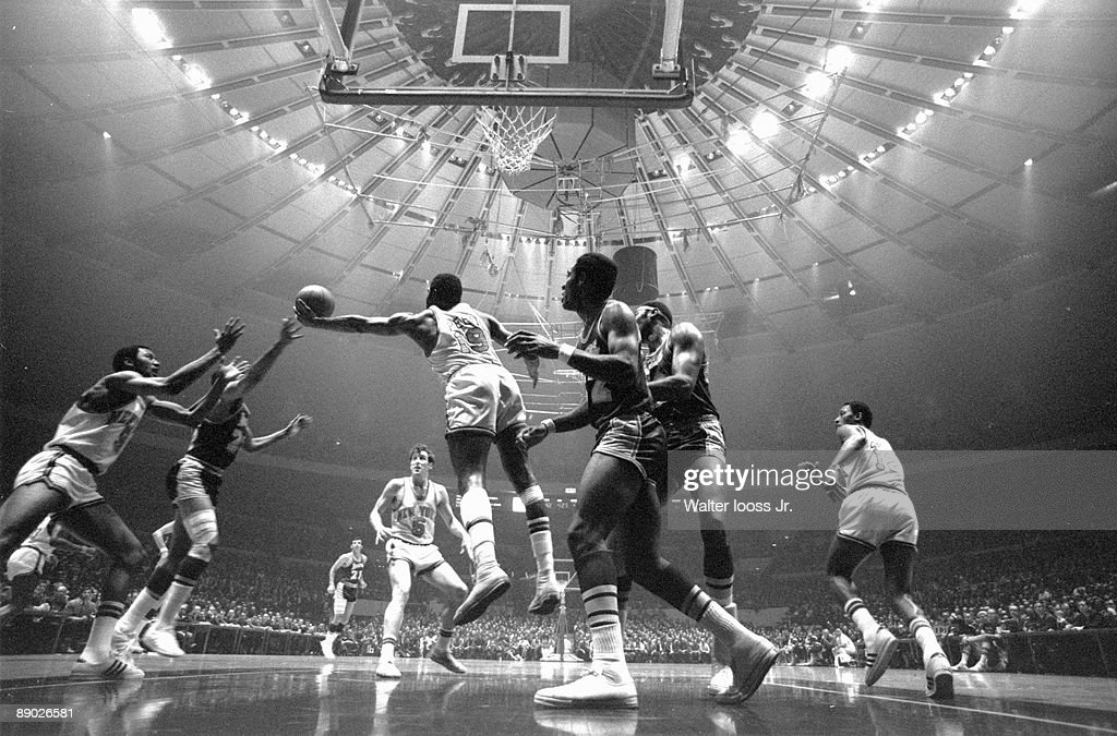 NBA Finals New York Knicks Willis Reed in action rebound vs Los Angeles Lakers New York NY 4/24/19705/8/1970 CREDIT Walter Iooss Jr