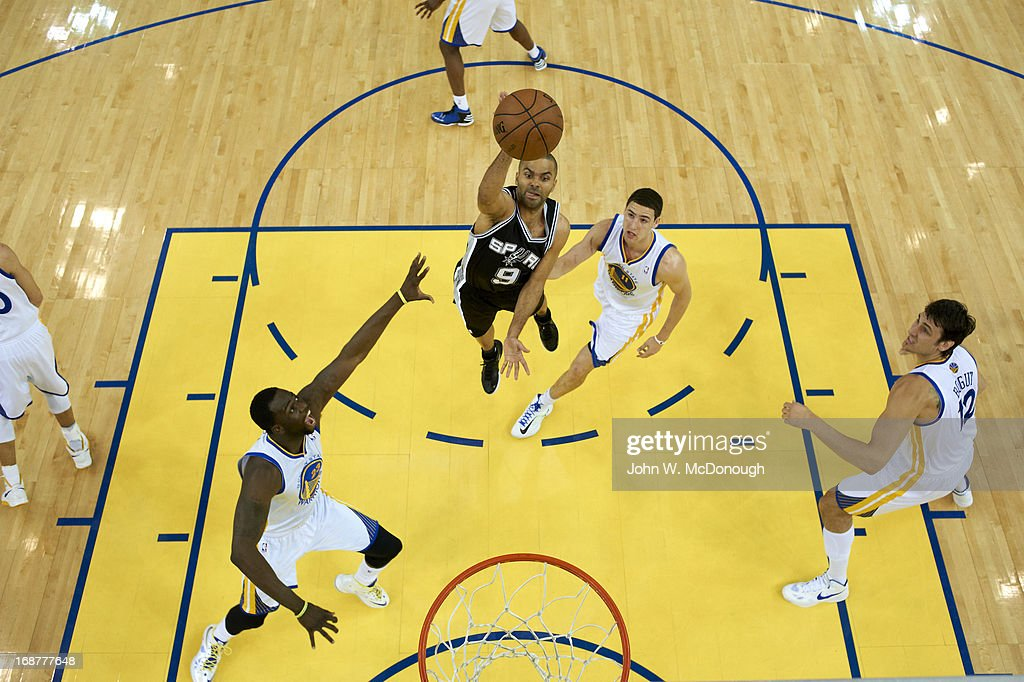 Aerial view of San Antonio Spurs Tony Parker (9) in action vs Golden State Warriors at Oracle Arena. Game 3. John W. McDonough F2 )
