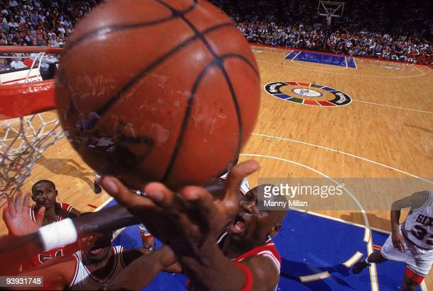 NBA Playoffs Chicago Bulls Michael Jordan in action shot vs Philadelphia 76ers Game 3 Philadelphia PA 5/10/1991 CREDIT Manny Millan