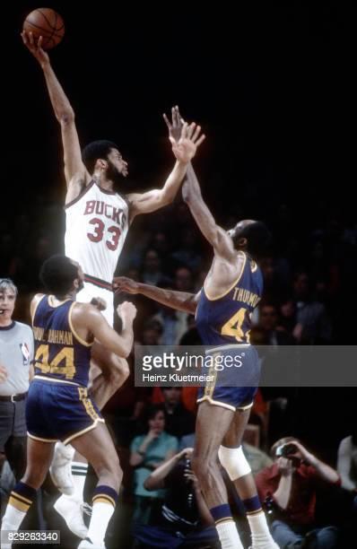 NBA Playoffs Milwaukee Bucks Kareem AbdulJabbar vs Golden State Warriors Nate Thurmond at Milwaukee Arena Game 1 Milwaukee WI CREDIT Heinz Kluetmeier