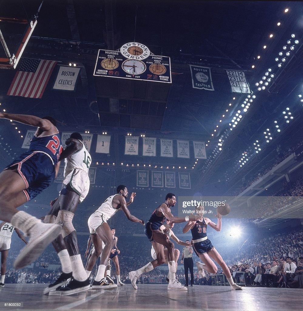 Philadelphia 76ers Billy Cunningham and Wilt Chamberlain 1967 NBA
