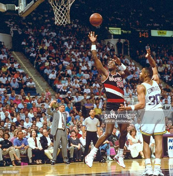 Portland Trail Blazers Roster 1992: Used 11/27/1995 Stock Photos And Pictures