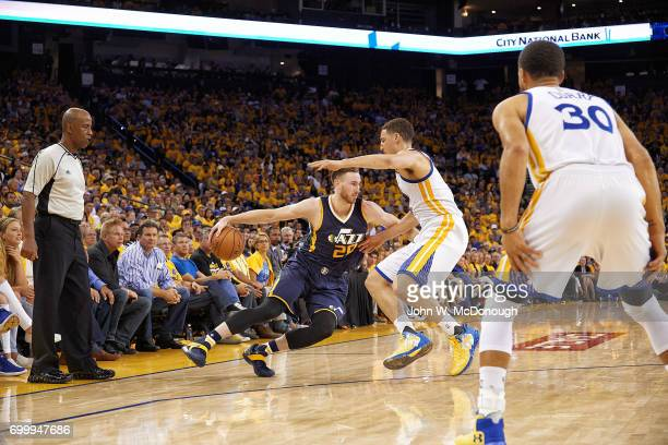 NBA Playoffs Utah Jazz Gordon Hayward in action vs Golden State Warriors Klay Thompson at Oracle Arena Game 2 Oakland CA CREDIT John W McDonough