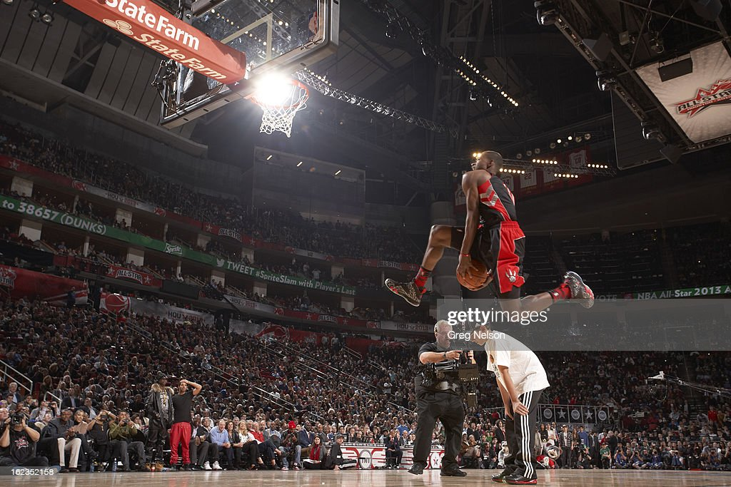 Toronto Raptors Terrence Ross (31) in action, dunk during All-Star Weekend at Toyota Center. Greg Nelson F70 )