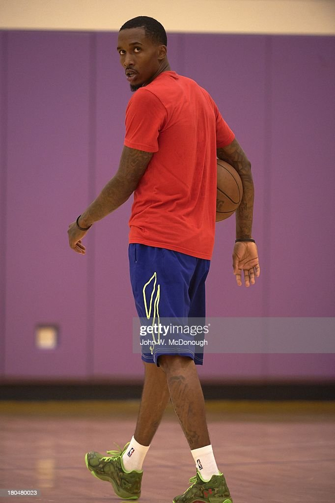 Detroit Pistons Brandon Jennings during practice session at Toyota Sports Center. Behind the Scenes with professional basketball trainer Rob McClanaghan. John W. McDonough F80 )