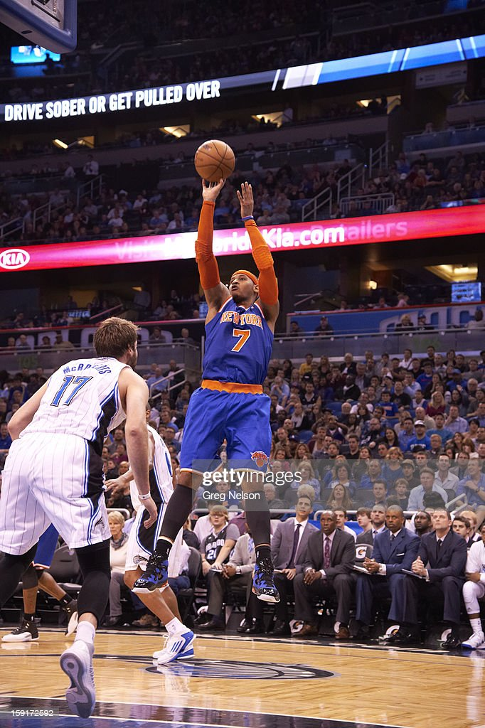 New York Knicks Carmelo Anthony (7) in action, shooting vs Orlando Magic at Amway Center. Greg Nelson F260 )