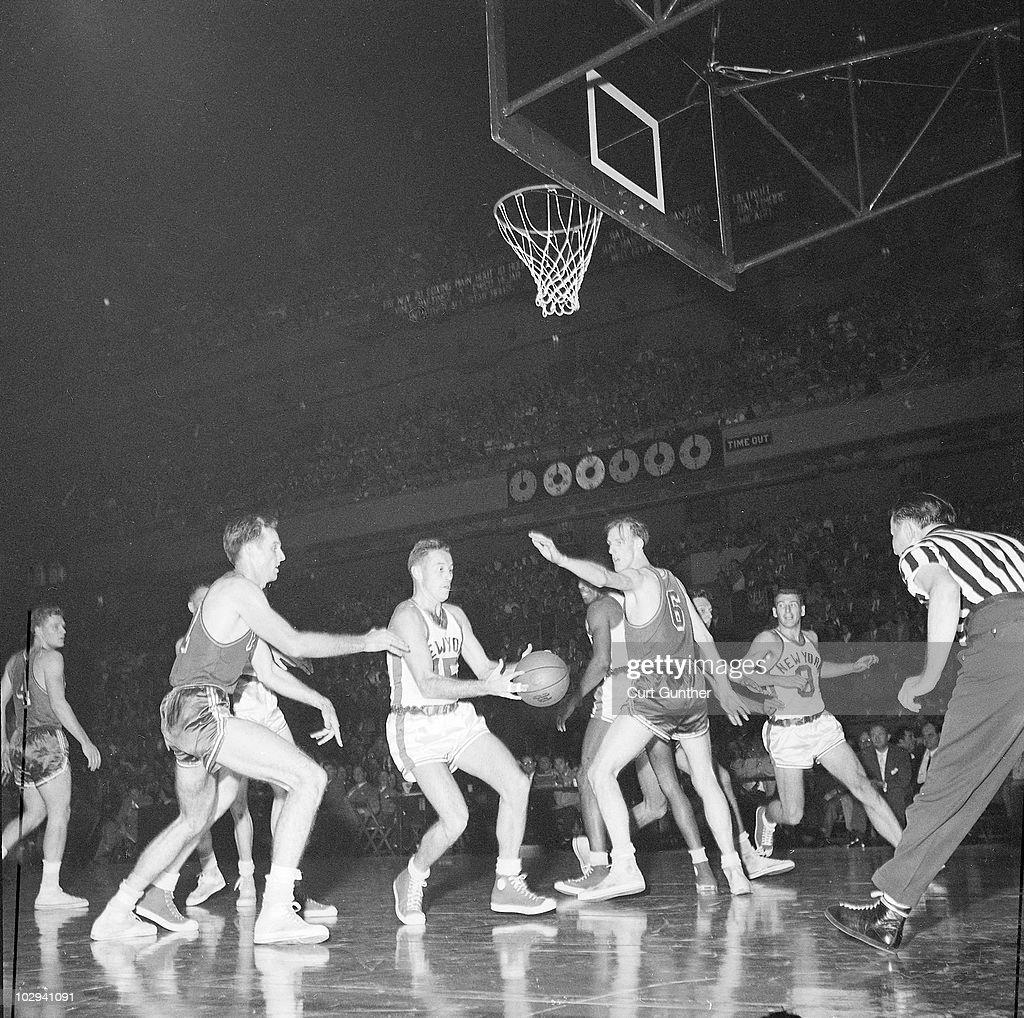 New York Knicks vs Philadelphia Warriors