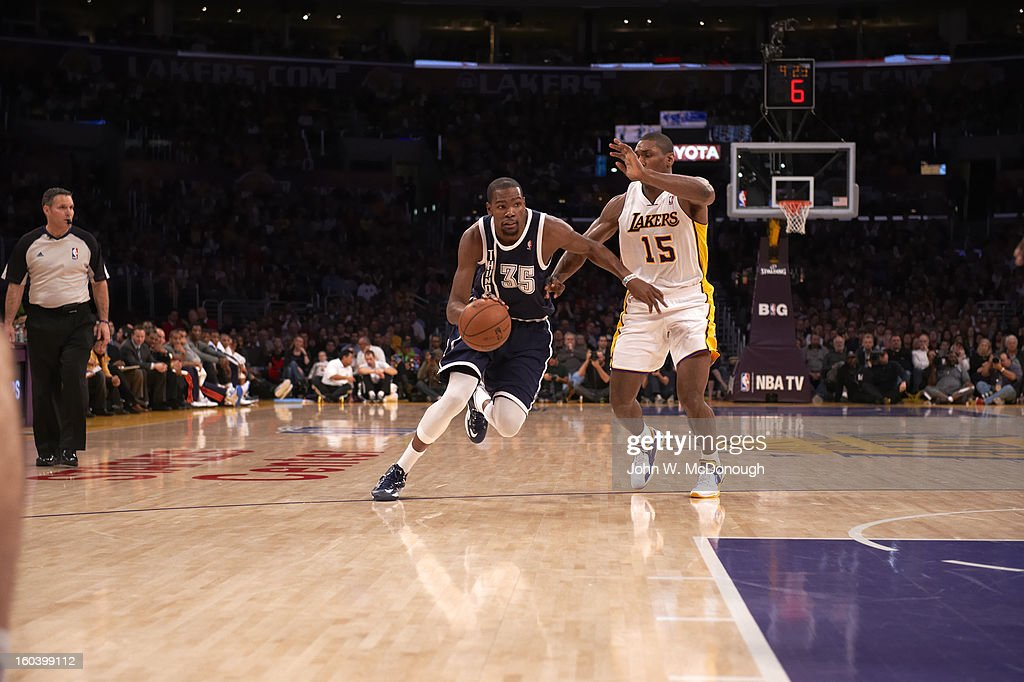 Oklahoma City Thunder Kevin Durant (35) in action vs Los Angeles Lakers at Staples Center. John W. McDonough F450 )