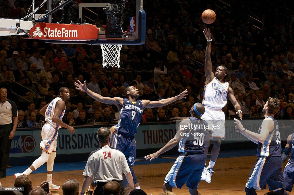 Oklahoma City Thunder Reggie Jackson (15) in action vs Memphis Grizzlies at Chesapeake Energy Arena. Greg Nelson F56 )