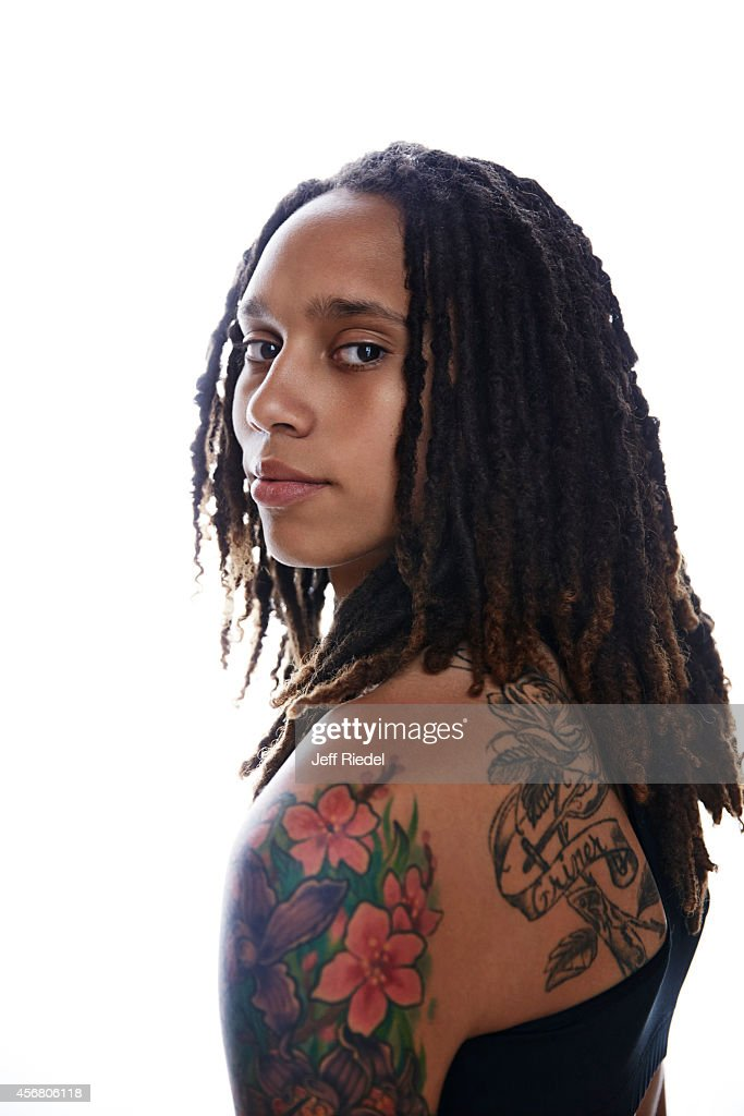 Basketball player <a gi-track='captionPersonalityLinkClicked' href=/galleries/search?phrase=Brittney+Griner&family=editorial&specificpeople=6836945 ng-click='$event.stopPropagation()'>Brittney Griner</a> is photographed for People Magazine on April 27, 2014 in Phoenix, Arizona.