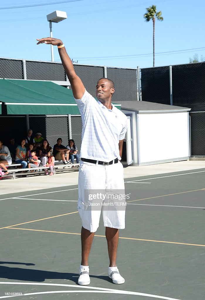 Basketball Player <a gi-track='captionPersonalityLinkClicked' href=/galleries/search?phrase=Jarron+Collins&family=editorial&specificpeople=202071 ng-click='$event.stopPropagation()'>Jarron Collins</a> attends the 2nd Annual GameOn! fundraiser hosted by Common Sense Media at Sony Pictures Studios on September 29, 2013 in Culver City, California.