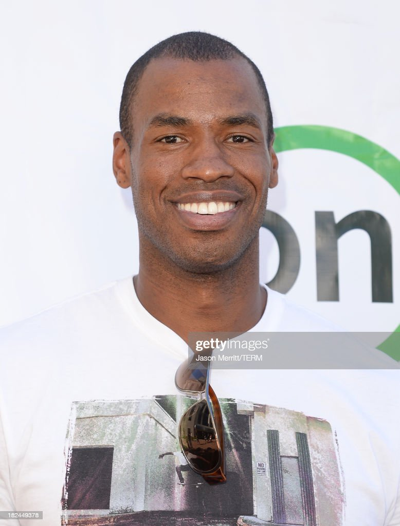 Basketball player Jason Collins attends the 2nd Annual GameOn! fundraiser hosted by Common Sense Media at Sony Pictures Studios on September 29, 2013 in Culver City, California.