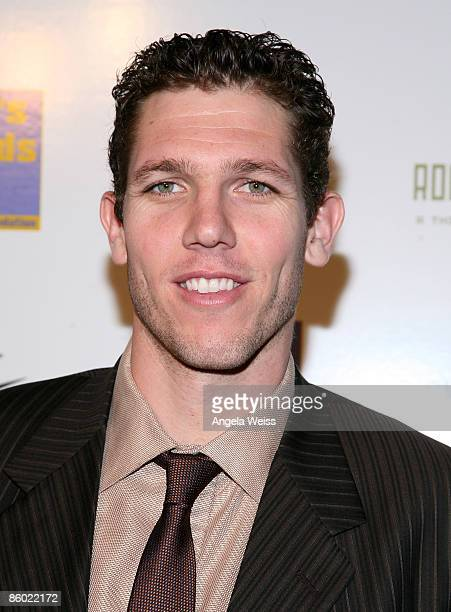 Basketball player Luke Walton of the LA Lakers arrives at the 5th Anniversary Dinner of the Cathy's Kids Foundation hosted by Lamar Odom at the...