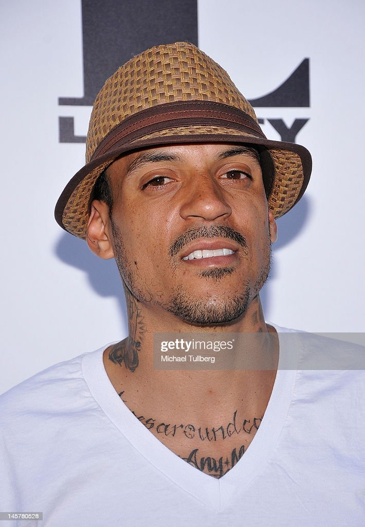 Basketball player <a gi-track='captionPersonalityLinkClicked' href=/galleries/search?phrase=Matt+Barnes+-+Basketball+Player&family=editorial&specificpeople=202880 ng-click='$event.stopPropagation()'>Matt Barnes</a> arrives at the premiere of the new movie 'Something From Nothing: The Art Of Rap' at ArcLight Cinemas on June 5, 2012 in Hollywood, California.