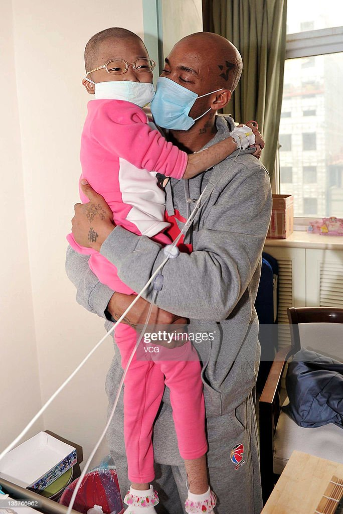 Stephon Marbury Visits A Child In Hospital
